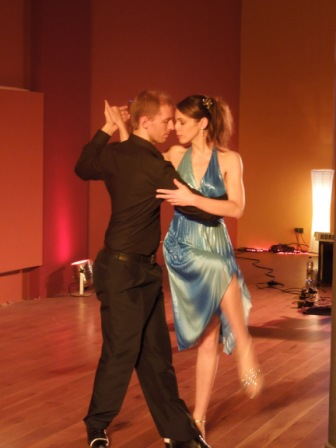 Die Inhaber der Tangoschule Isabella Bayer und Jaro Cesnik